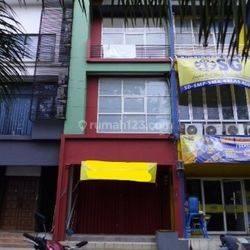 Nice Commercial Place at Ragunan Pasar Minggu –AR191