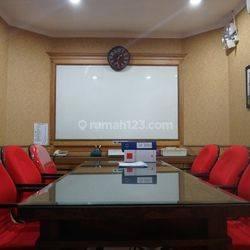 Ruang Kantor Yang Nyaman, Lokasi Strategis