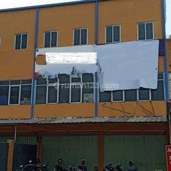 Ruko Gandeng di Jl. Peta Barat, lokasi strategis