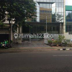 Gedung Kantor 5 lantai ada basement di Jalan Wisma Lia A.M Sangaji luas 1664 m2 Jakarta Pusat
