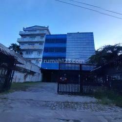 Ruko 2 gandeng 4 lantai di Jalan Daan Mogot Raya luas 136 m2 Grogol Jakarta Barat