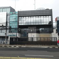Bangunan Perkantoran di pinggir jalan Suryopranoto Jakarta pusat