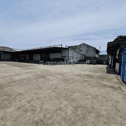 Gudang Distribusi Pinggir Jalan Raya Siap Pakai, Srengseng, Jakarta Barat