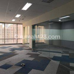 BAGUSSS OFFICE SPACE 139 SQM SEMIFURNISHED SOHO CAPITAL @CENTRAL PARK