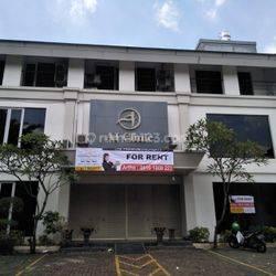 Gedung di Area Dharmawangsa Kebayoran Baru, Huk, Parkir Banyak, Cocok Klinik, Restoran, Kantor, dll. Dekat Panglima Polim, Wijaya