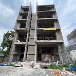 Gedung 5 Lantai di Jl Proklamasi - Menteng