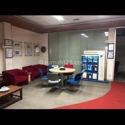 Kantor di arteri Pondok Indah