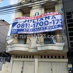 Ruko 2gandeng 4lantai luas 10x18 180m pinggir jalan raya Mekaliwe Grogol Jakarta Barat