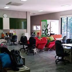 Rumah Ngantong , Cocok Untuk Kantor , Bisnis  Cafe atau  Rumah Hunian Modern di Pengadegan