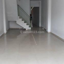 Ruko Jagakarsa Terdapat basement Jakarta selatan