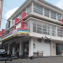 Ruko strategis bangunan 3lantai di Banyumanik