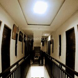 GUEST HOUSE 3 LANTAI LOKASI JALAN RAYA