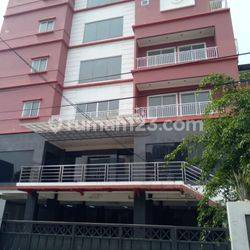 Gedung Kantor dan Apartemen 8 lantai luas 20x30 600m Pejaten Jakarta Selatan