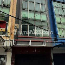 RUMAH DI JATIPADANG (HUB :NAUFAL 081280069222)