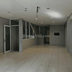 Lokasi bagus hadap jalan n Puri Indah Mall