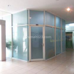 Kios letak strategis di Pintu Masuk Lantai 1 Tower Athena Kebon Jeruk – Jakarta Barat