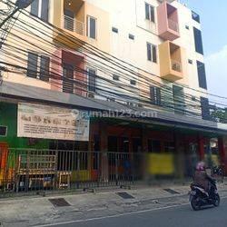 Ruang usaha Tanjung Duren cocok untuk resto, klinik, tempat kursus