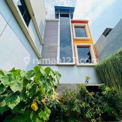 Perkantoran Bangunan 3 Lantai Kawasan Pelabuhan Tanjung Priuk Jakarta Utara