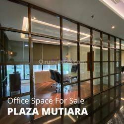 Office Space di Plaza Mutiara di Jakarta Selatan – Lux Furnished