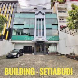 [BUILDING ]gedung 4 lantai di area kuningan, jakarta selatan