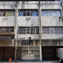 Ruko ,Cocok Utk Gudang  ,Jl. Wahid Hasyim dekat Pasar Tanah Abang