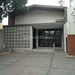 Gedung Ex Resto di Gondangdia Menteng
