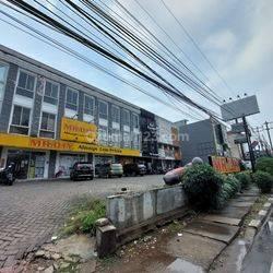 Ruko Hadap Jalan Raya di Cipondoh Tangerang Banten