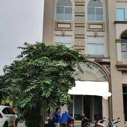 Ruko Rose Garden siap pakai 3 Lantai luas 5,5x15 di Grand Galaxy Bekasi Selatan