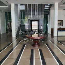 Dijual / Disewakan Gedung di Fatmawati, Daerah Komersial, Kondisi ready, mewah dan rapi, ada lift