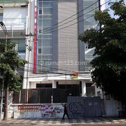 Gedung 5 Lantai Pusat Kota eks Mess Mewah