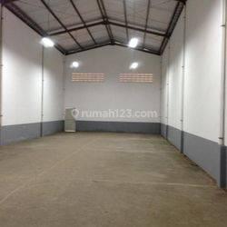 Gudang di Bizpark, Cakung, Uk 9x34, Ada Office, Harga 230jt/thn