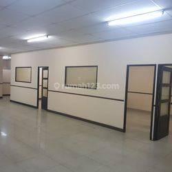 JARANG ADA Office Space di jl. Abdullah syahfei Tebet,  jalan kaki ke stasiun Tebet