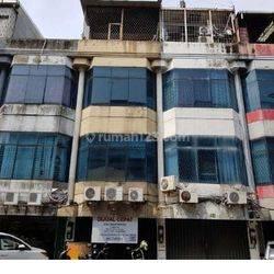 Ruko Lelang Sangat Murah & Banting harga 3 lantai di  Komplek Ruko Golden Ville, Jalan Daan Mogot II, Kelurahan Duri Kepa, Jakarta Barat