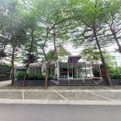 Rumah Sekaligus Kantor dan Cafe di Dharmawangsa Raya Jakarta Selatan