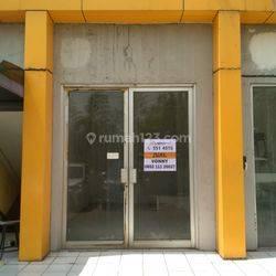 Dijual cepat dibawah harga pasar ruang buat kantor atau buat usaha di Hotel Sahid ( dahulu  Apartment Paragon)