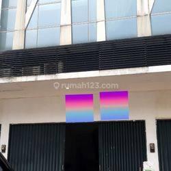 Ruko Strategis Ramai 4,5 lantai di Pusat Bisnis Cikarang Central City