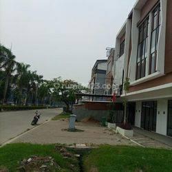 Ruko Metland Sewa Murah Jarang Ada , Gandeng!! , Dekat Green Lake City , Cipondoh , Tangerang , Banten