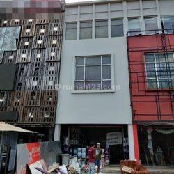Ruko Boulevard 3 Lantai Siap Huni di Gading Serpong