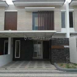 Rumah di Makassar Sungai saddang mewah Eksklusif Tengah Kota Makassar