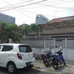 Rumah Cocok Untuk Kantor Daerah Gajah Mada ,, Jalan 2 Mobil