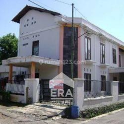Rumah 2 lantai hook di Manyaran