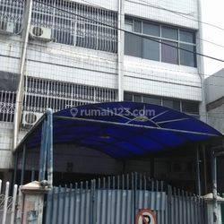 Rumah Kartini Jalan 2 Mobil . Daerah Nyaman Sekali