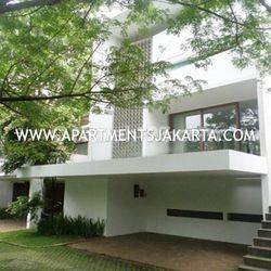 Compound House at Jatipadang For Lease Wide Land and Green Area