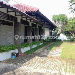 Nice house only 600 meter from Simatupang Tol. Must see