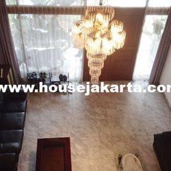 Rumah Jalan Tulodong 4 Senopati SCBD Sudirman 2 lantai Murah 28 Milyar