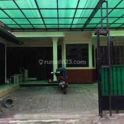 Pengadegan Utara Pancoran  - Jakarta Selatan. Di JUAL Rumah Siap Huni.