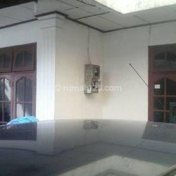 Rumah Hoky Ngantong PALING MURAH di Sekitar Jl. KH. Abdullah Syafei, Kec. Tebet,