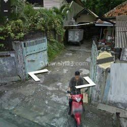Rumah Tua hitung Tanah di Jl. Karet Pedurenan, Karet Kuningan, Jakarta Selatan
