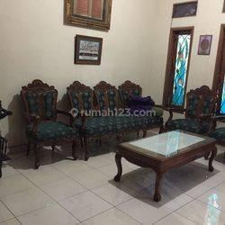 Rumah Besar dan Mewah di Jl.Garut, Sayap Laswi Bandung