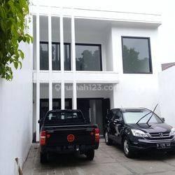 Rumah di Jl Bandung Menteng Jakarta Pusat